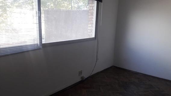 Apartamento Sobre Agraciada Y Aguilar 2 Dormit Al Frente