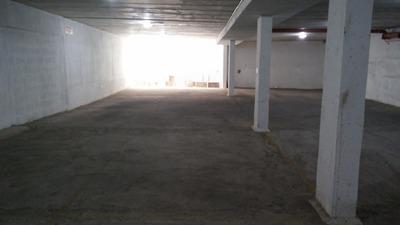 Alquilo Garage Pocitos Nuevo.1 Vehículo. Muy Cerca Mvd Shopp