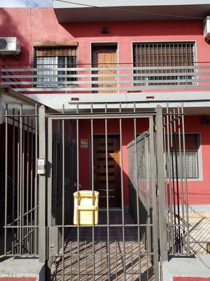 Casa De Altos 3 Dormitorios Baño Patio Parrillero