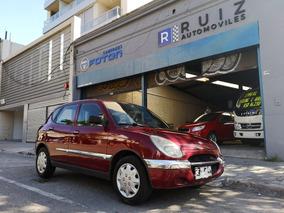 Daihatsu Sirion 2000 Nafta Inmaculado Financio