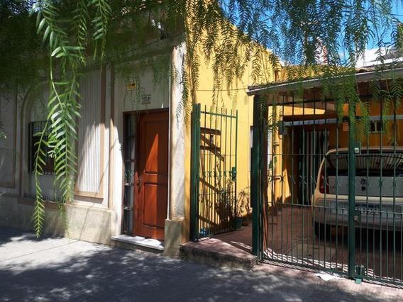 Excelente Casa Acepta Banco.-