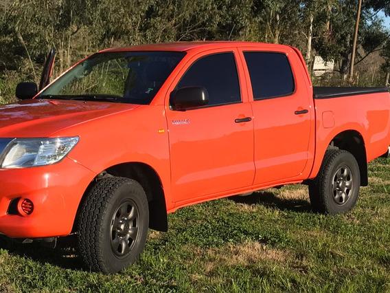 Toyota Hilux Año 2013 En Impecable Estado Y A Toda Prueba