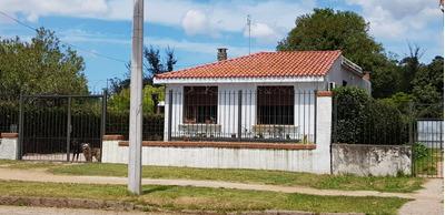 Casa 3 Dormitorios, 2 Baños, Barbacoa C Claraboya
