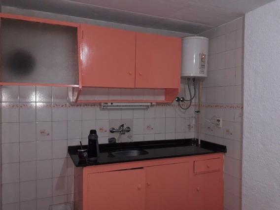 Apartamento 2 Drm. Excelente Estado