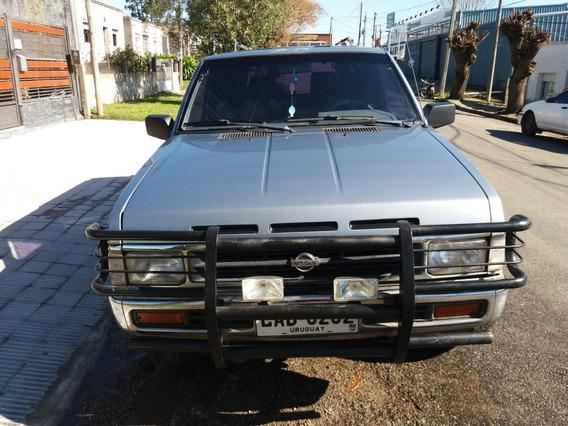 Camioneta Nissan Pathfinder Diesel 4x4 - Año 1994