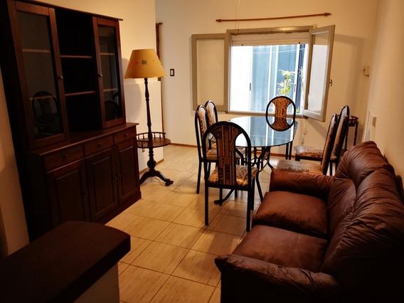 Apto. 2 Dormitorios En Prado Amueblado, En P. B. Con Patio