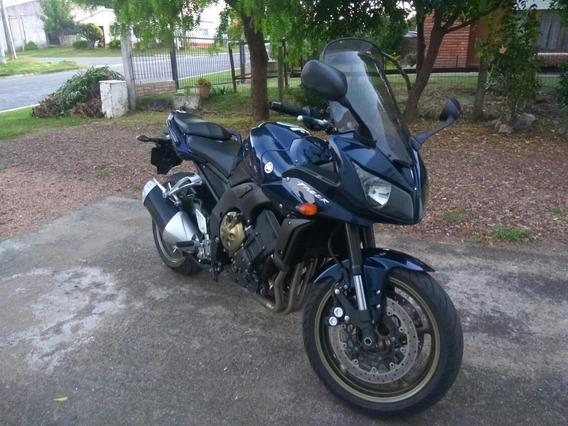 Yamaha Fazer 1000cc.