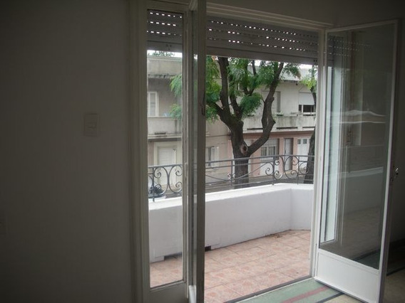 Casa En Planta Alta, 3 O 4 Dorm, 2 Baños, Patio Amplio Parr.