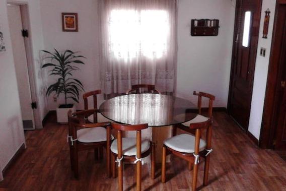 Casa 1 Dorm. Con Muebles Frente Fondo Cochera