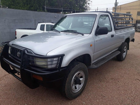 Toyota Hilux Pick Up 4 X 2