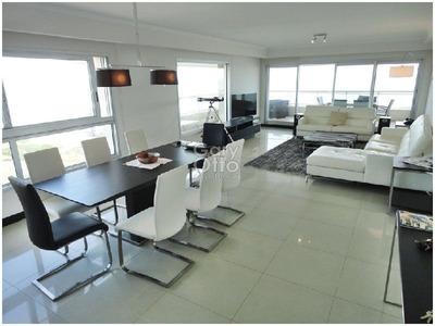 Apartamento En Venta Y Alquiler De 4 Dormitorios En Playa Brava
