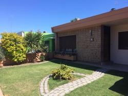 Hermosa Casa 3 Dorm + Apto 1 Dorm , Barbacoa Y Piscina