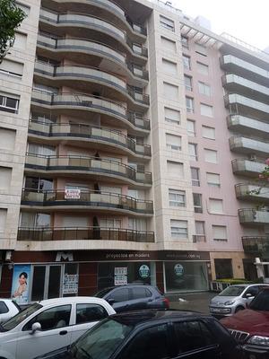 Apartamento 1 Dormitorio Al Frente Julio Cesar Y 26. Pocitos