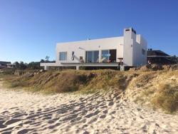 Alquilo Casa En La Playa, Primera Linea Frente Al Mar.