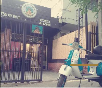 Pizzeria Completa En Pocitos Con Horno A Leña