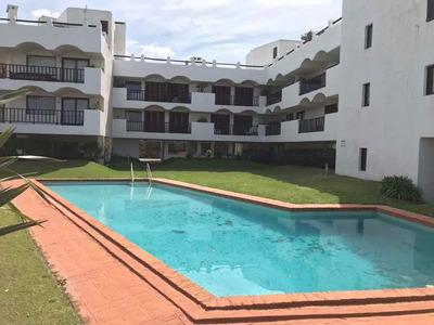 Apartamento Frente A La Playa En Parada 16 De La Mansa