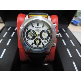 aa78eb7a69a Relógio Ferrari Quartz Com Pulseira De Couro Preta E Amarela