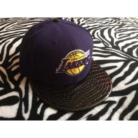 dbad043a1a4e6 Gorra New Era Los Angeles Lakers 7 1 8 Cerrada 100% Original