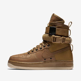 Tenis Nike Air Force 1 Special Field Qs