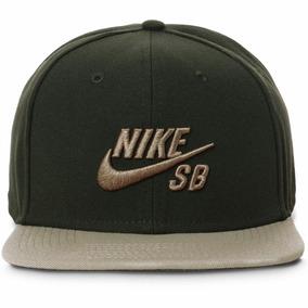 Bone Aba Reta Nike Verde Limao - Bonés Masculinos no Mercado Livre ... bcba356a7c0