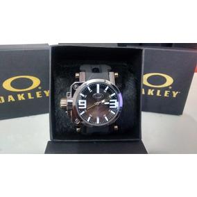 fa6075165f7 Brecho De Botas Masculino Oakley - Relógio Oakley Masculino no ...