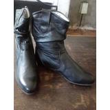 Botas En Cuero Color Negro, Forradas, Impecables, Número 36