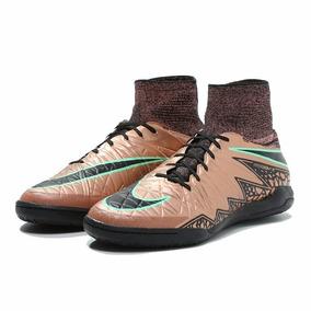 7a6030efe2 Chuteira De Futsal Nike Dourado Com Cano Alto Outras Marcas ...