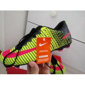 Chuteira Nike Mercurial Verde Limão Com Trava. - Chuteiras Nike para ... e5ff6ad9cb5a8