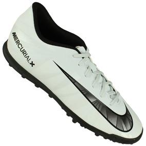 Chuteira Preta Com Brilho Cr7 Masculino Nike - Chuteiras no Mercado ... 6b81fee7bcd71
