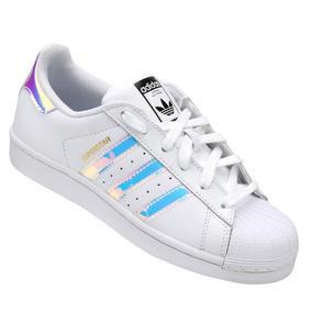 Tenis Adidas Holográfico Feminino Hellbender - Tênis no Mercado ... b69fe3173e97