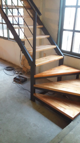 Escalera De Hierro Y Madera Para Interior 950 en Mercado Libre