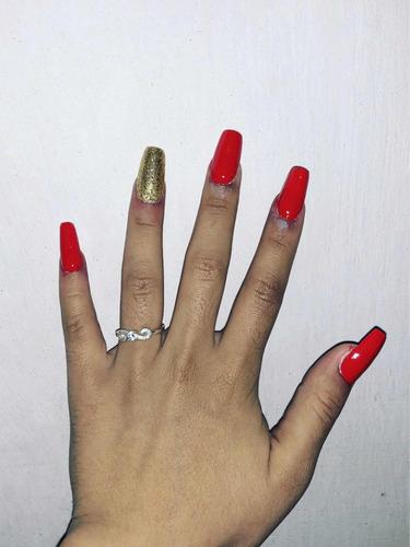 a domicilio extensiones de pestañas y uñas esculpidas