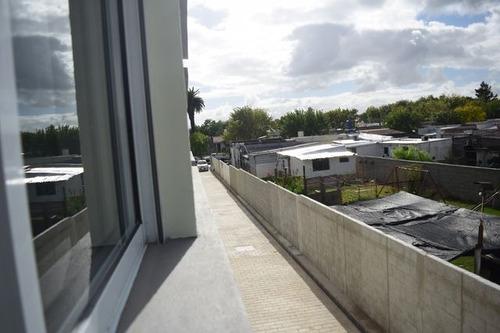 a estrenar! casa 2 dorm + patio parrillero cochera y terraza