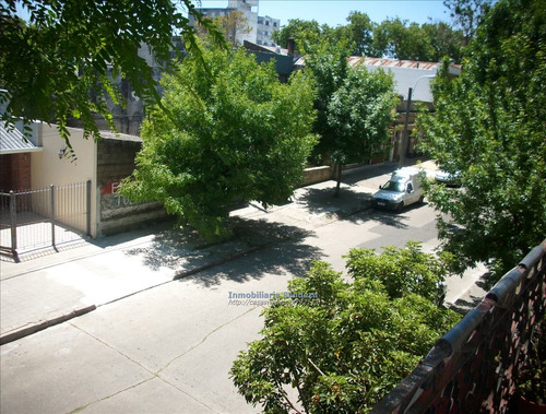 a reciclar, 2 dorm, patio, balcón, amplia, buen punto.