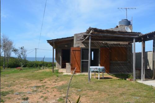 aargentino balneario ,casa sobre el mar,estrena