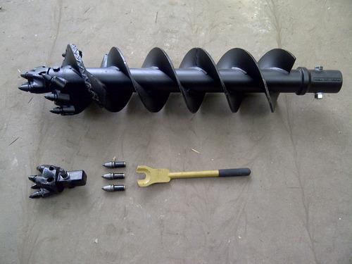 accesorio implemento minicargadora hoyadora belltec y mecha