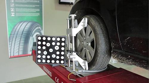 alineación y balanceo adhesivo camioneta