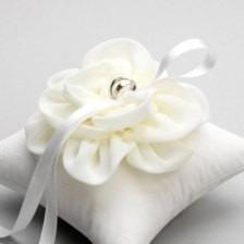 almohadon porta anillo bodas