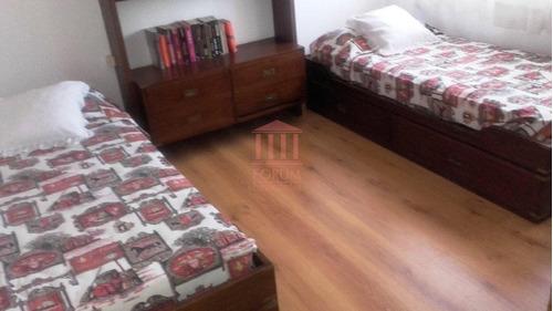 alquila chalet tres dormitorios , dos baños , dormitorio y baño de servicio - ref: 277