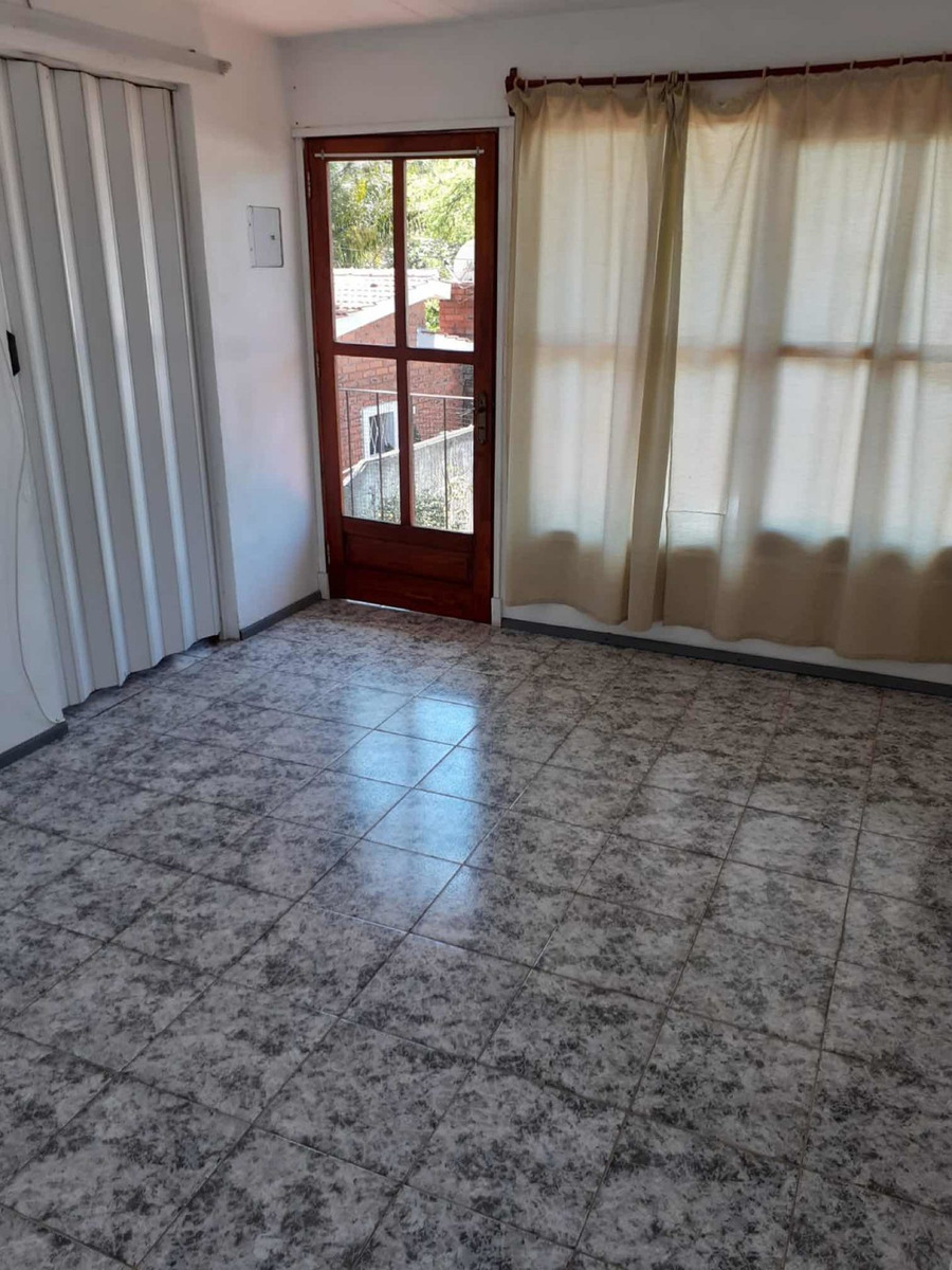alquiler anual apto 2° piso