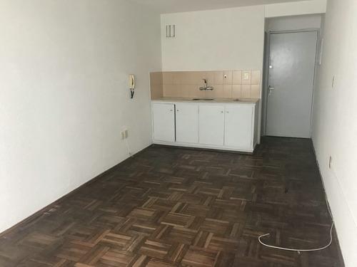 alquiler apartamento mono ambiente, brandzen, cordón.