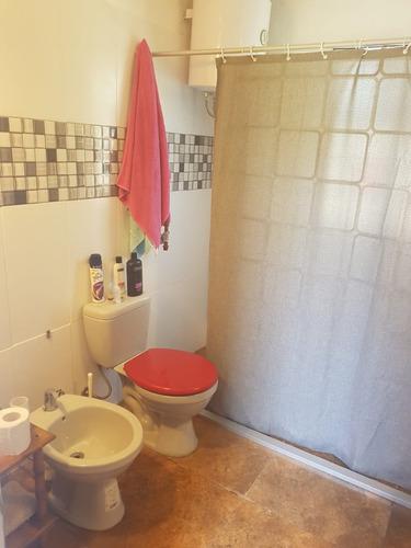 alquiler casa de 5 ambientes y 2 baños en punta negra.