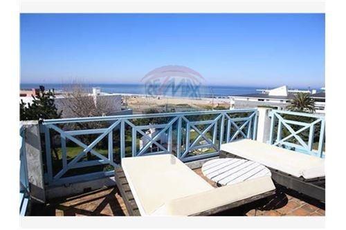 alquiler casa frente a playa montoya  la barra