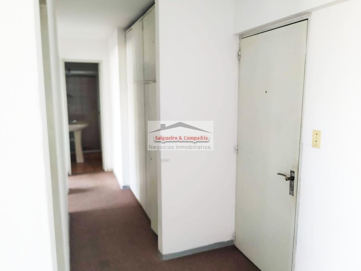 alquiler de apartamento de 2 dormitorios en cordón piso alto
