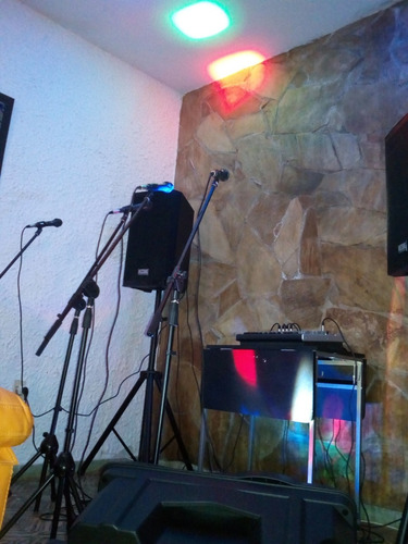 alquiler de audios, luces y equipos multimedia para eventos