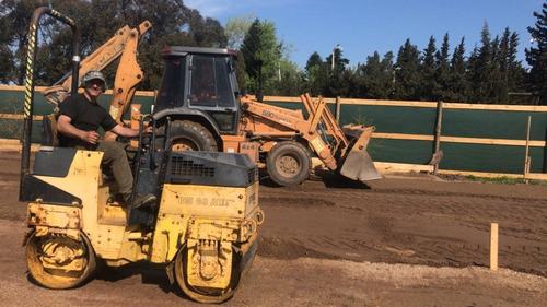 alquiler de retroexcavadora limpieza de terrenos