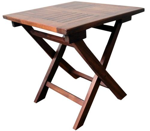 alquiler de sillas y mesas de pvc y madera