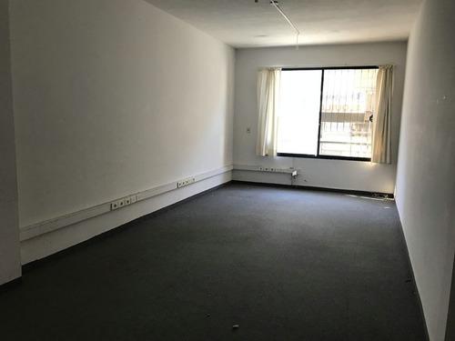 alquiler escritorio u oficina 32 m2 piedras, ciudad vieja.