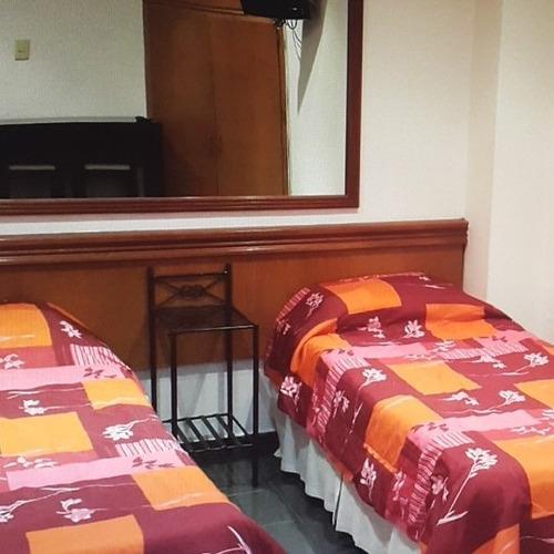 alquiler habitación  $9000 persona  mensuales + 10%iva