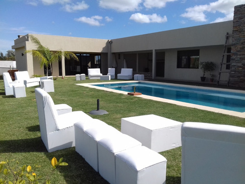 alquiler living,puf,sillón,carpa,inflables,catering integral